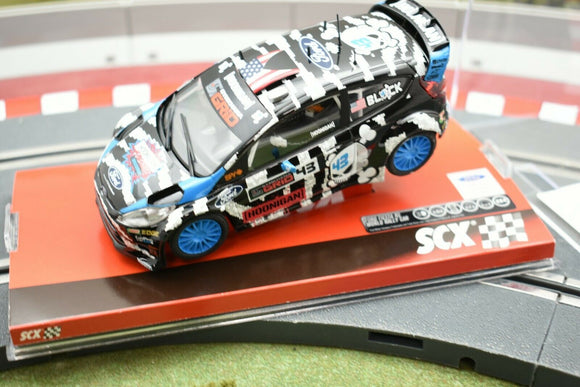 A10157X3U0 SCX 1/32 SLOT CAR FORD FIESTA RC WRC