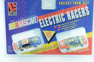 9779 LIFE-LIKE RACING FAST TRACKERS FAMILY # 16 / DUPONT #24 FAST TRACKERS-Toys & Hobbies:Slot Cars:HO Scale:1970-Now-ProTinkerToys.com