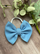 Load image into Gallery viewer, True Blue {bow} - Calli Alyse Boutique