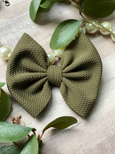 Moss {Bow} - Calli Alyse Boutique