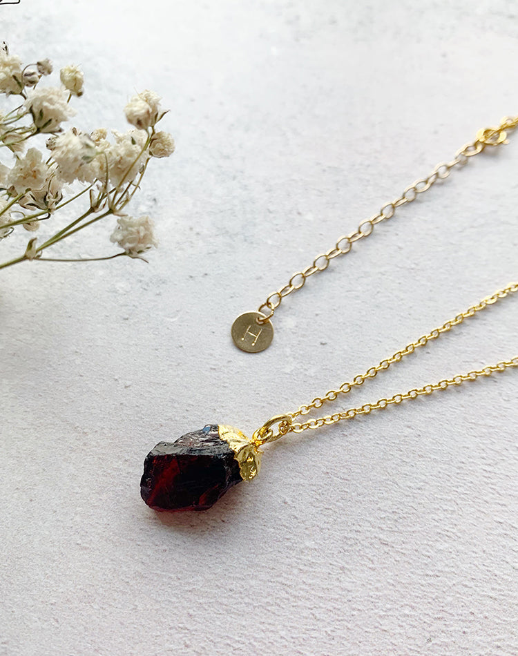 Hera Personalised January Birthstone Garnet Necklace