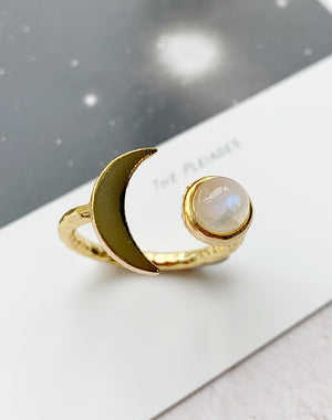 Artemis Moonstone Moon Ring
