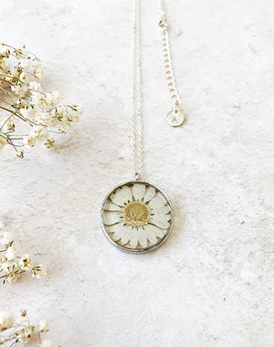 Bud - Pressed Flower Daisy Necklace