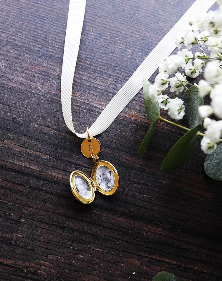 Memento - Monogrammed Personalised Wedding Bouquet Locket