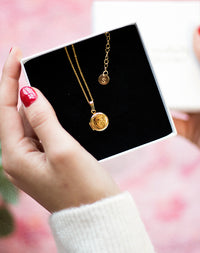 Modern Heirloom: Memento Vintage 14k Gold Fill Locket