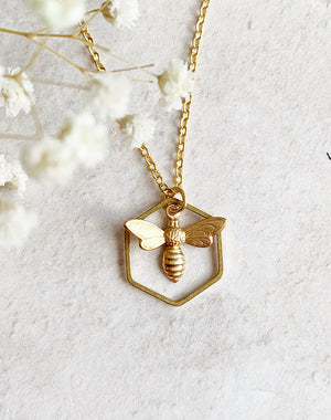 Such A Buzz Bee & Honeycomb Necklace