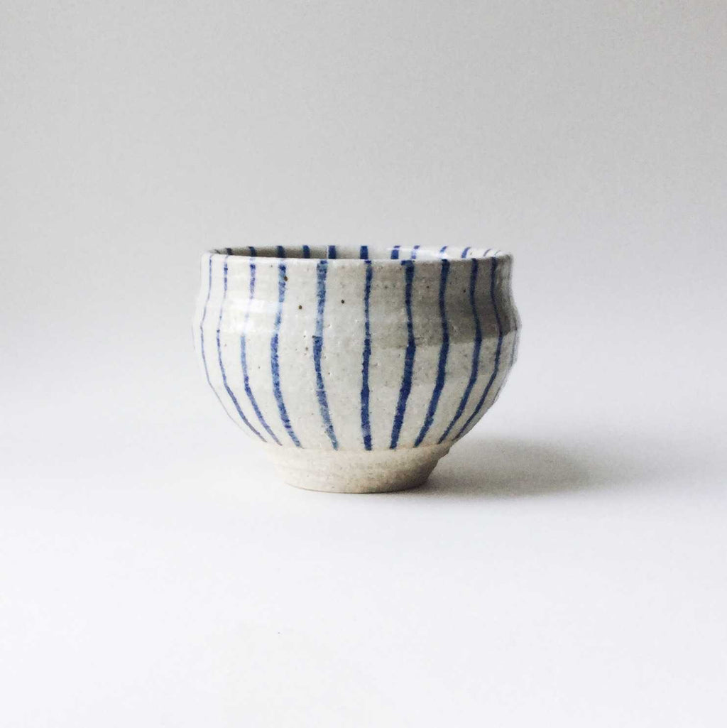 Japan series : White and blue striped bowl