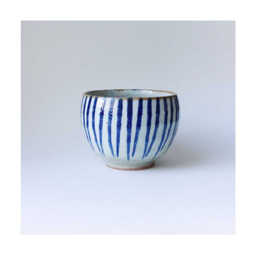 Japan series : Round blue and white bowl