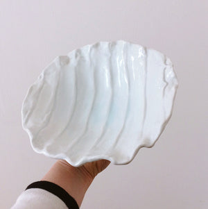 Japan series : Light blue/white shell dish