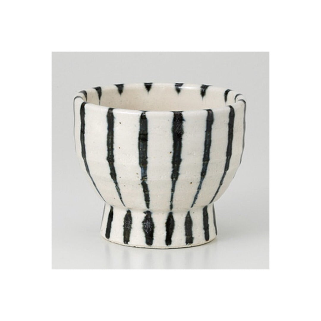 Japan series : Black and white striped cup
