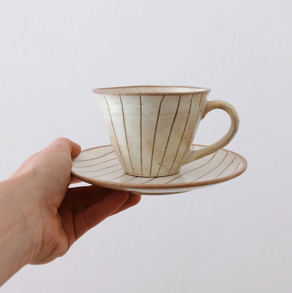 PRE-ORDER Japan series : White striped cup w. saucer