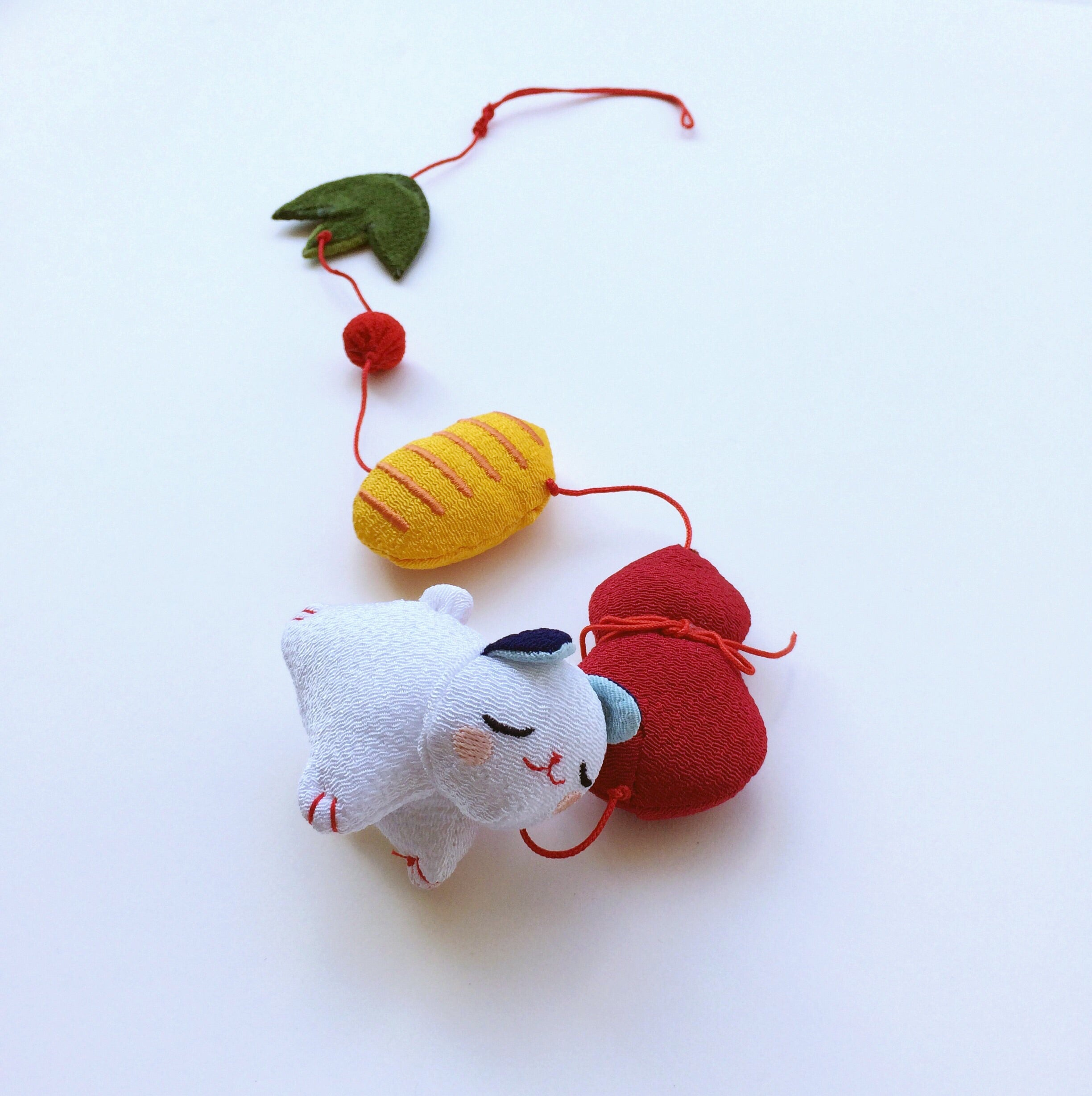 Handmade ornament Japan : Little white Cat
