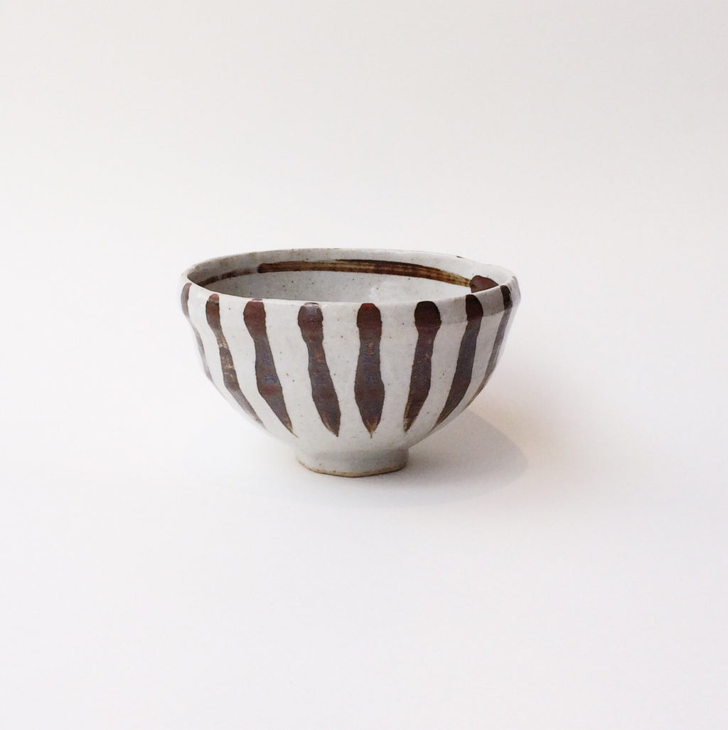 Japan series : Brown-striped uneven bowl