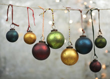 Oko Baubles Large Set of 4