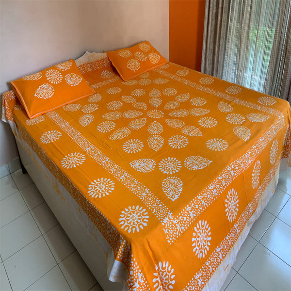 Batik Printed Orange Double Bedsheet with Pillow Covers | डबल बेडशीट के साथ तकिया कवर