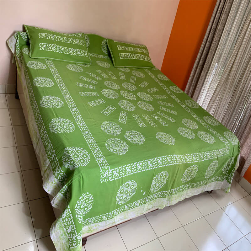 Batik Printed Light Green Color Double Bedsheet with Pillow Covers |डबल बेडशीट के साथ तकिया कवर