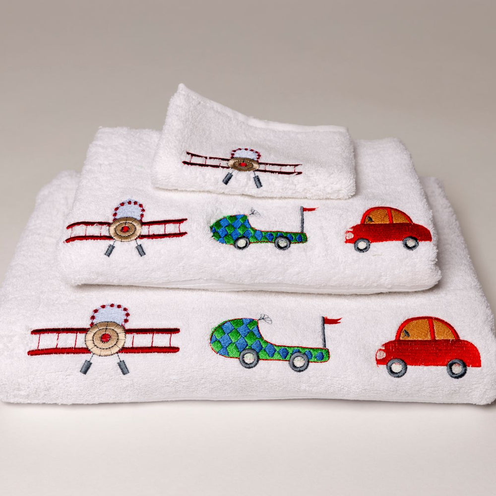 Combed cotton baby bath linen with embroidered airplane and car