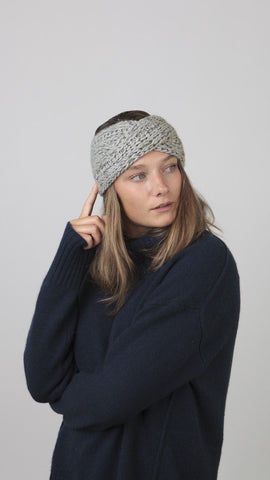 Barts Jasmin Headband Heather Grey person