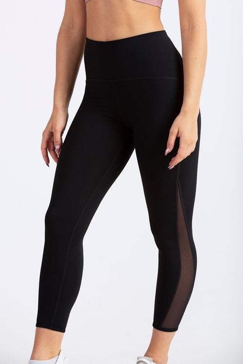 Aeon Vie Accelerer legging in Black with Stellar bra in Meili Powder