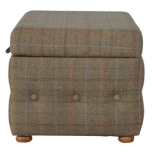 Load image into Gallery viewer, Benjamin Chest Bench has a country style and is available from roomshaped.co.uk
