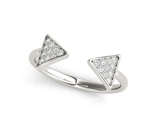 Arrowhead Design Ring with Diamonds in 14k White Gold (1/5 cttw)