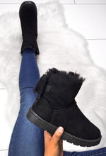Cosy Black Faux Fur Lined Boots