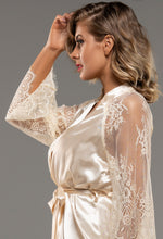 Lace Detail Robe