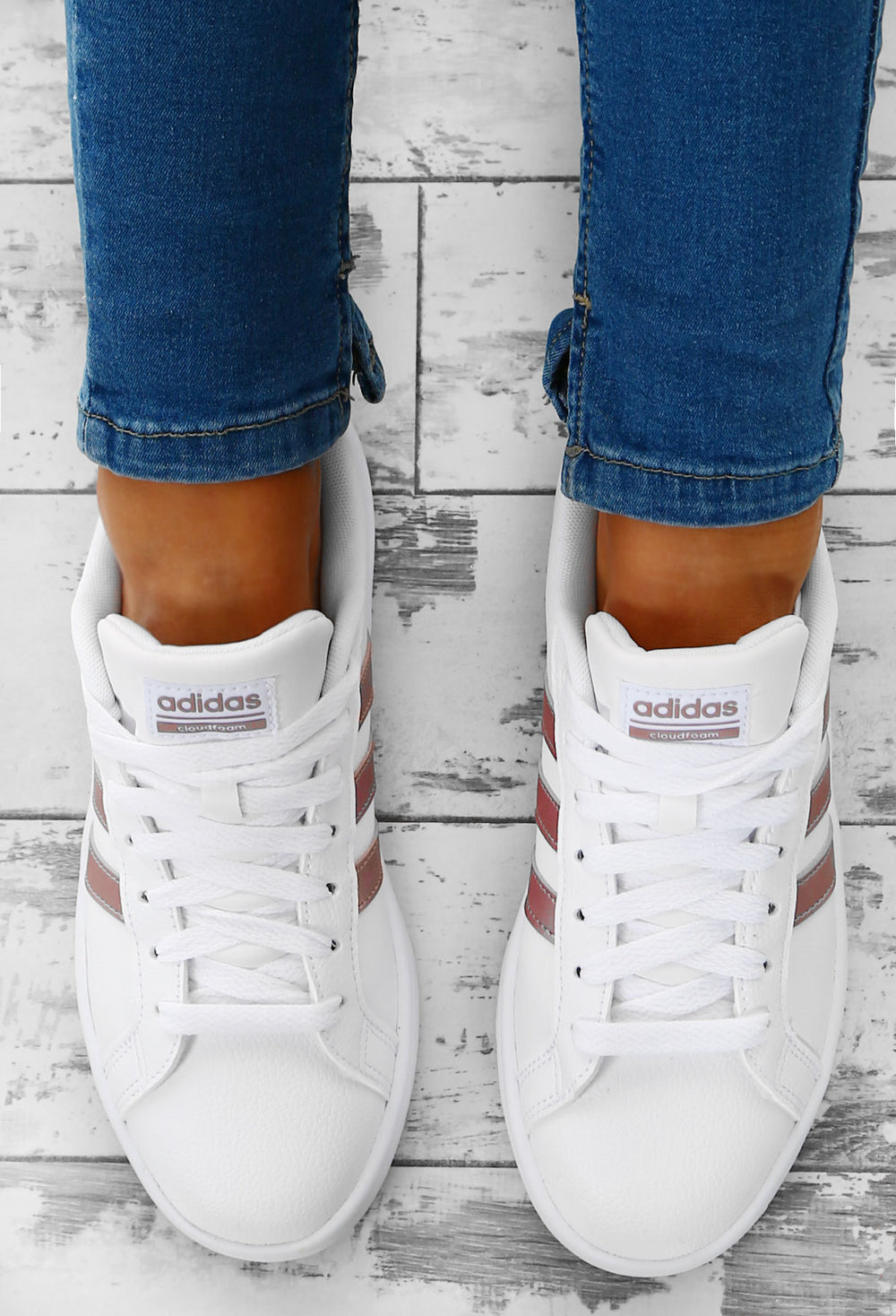 eficaz Subproducto Gruñido  Adidas Cloudfoam Advantage White and Rose Gold Stripe Trainers – Pink  Boutique UK