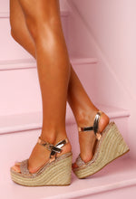 Rose Gold Holiday Wedges