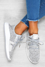 grey trainers