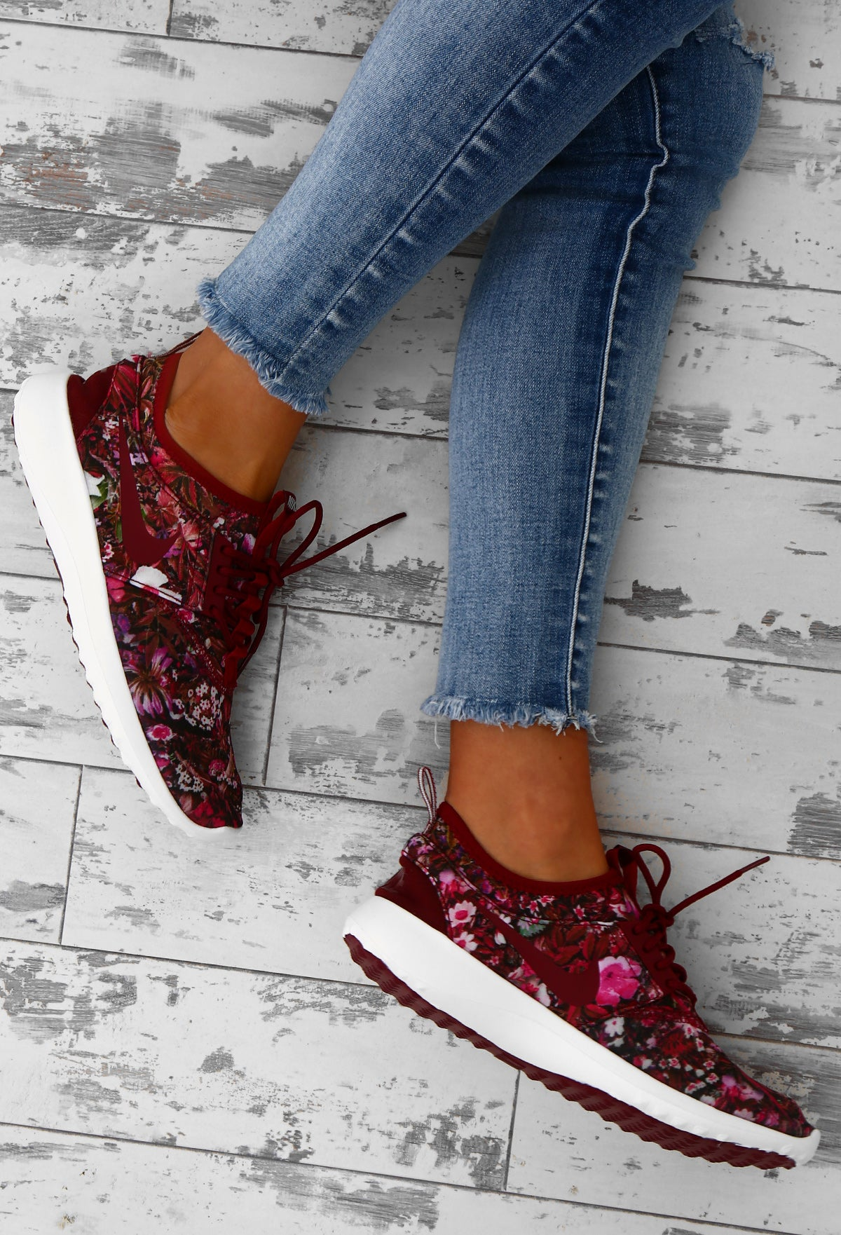 new styles e5237 6759d Nike Juvenate SE Team Burgundy Floral Trainers