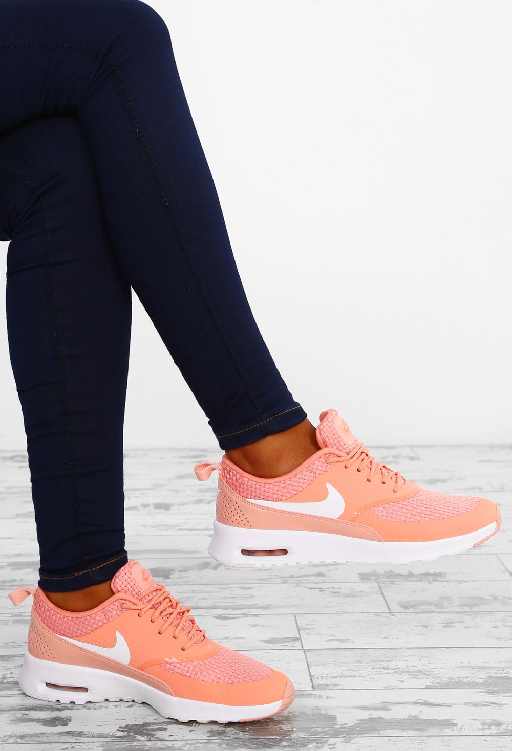heiß Nike Air Max Thea Crimson Bliss Trainers </p>