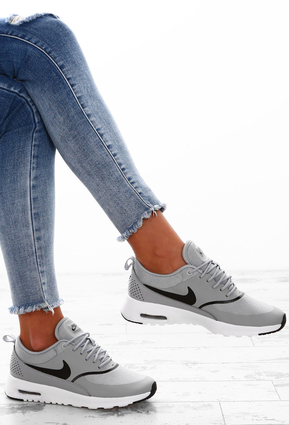 Nike Air Max Thea Grey Trainers – Pink