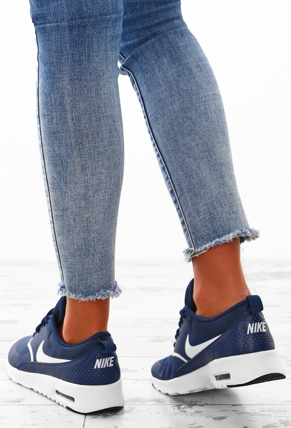 nike air max thea navy trainers