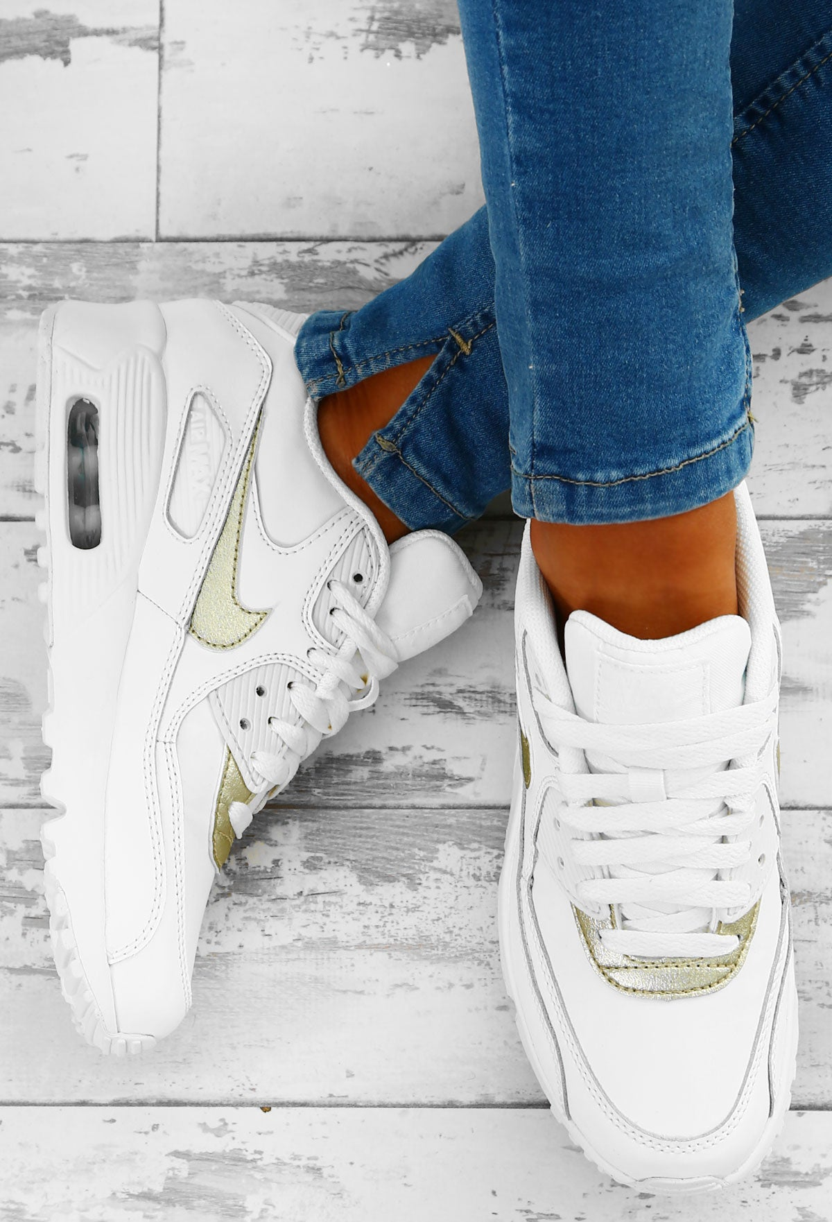 watch 6a2c4 c1fdd Nike Air Max 90 White and Gold Trainers