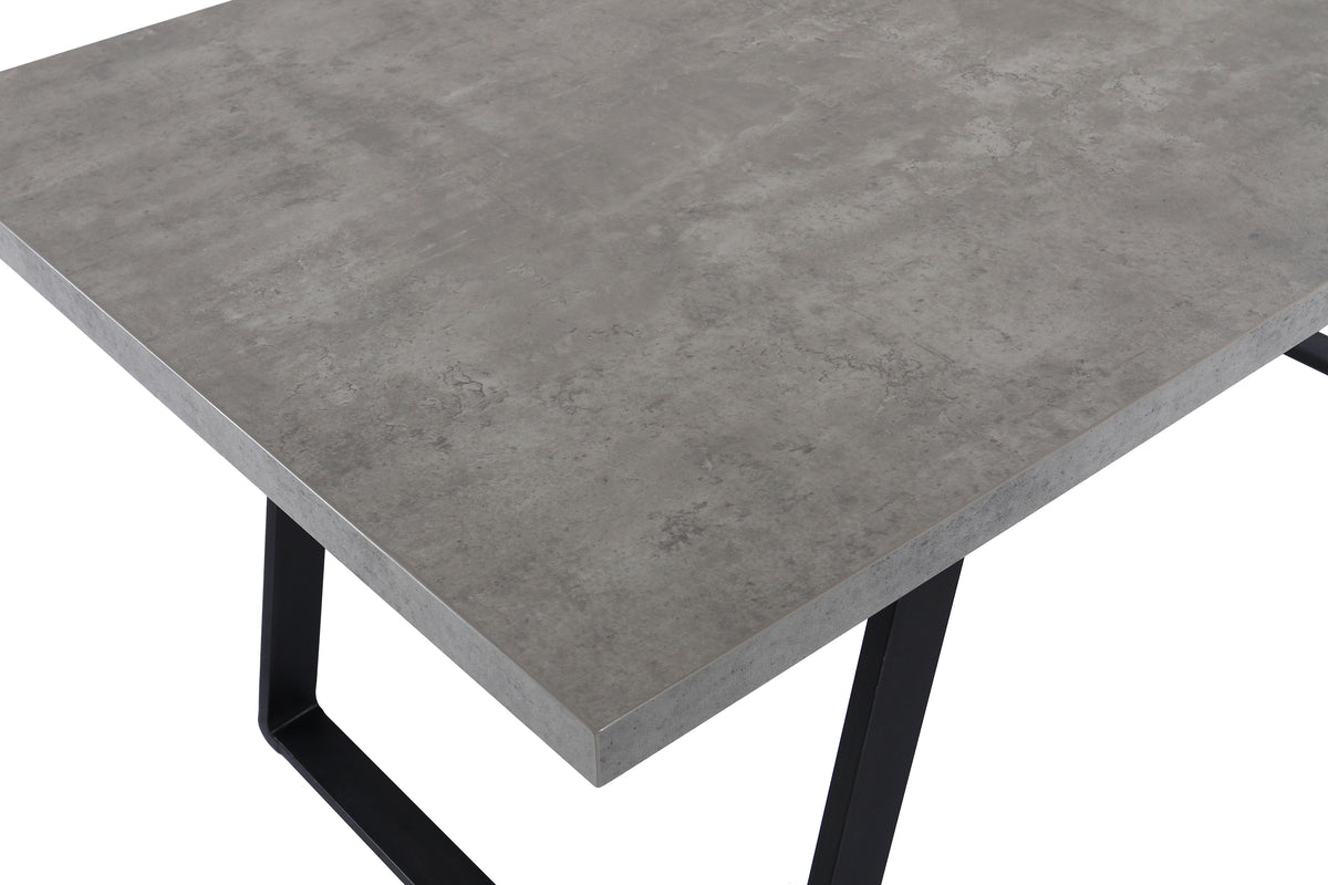 Sede Dining Table
