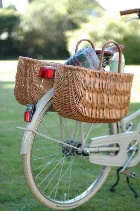 Basil Swing Wicker Bike Basket-Bicycle Baskets-Basil-Voltaire Cycles of Highlands Ranch Colorado
