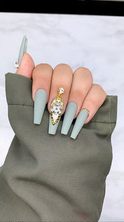Silver Lining | Press On Nails | Grey Nails | Any Shape and Size | Fake Nails | Matte Nails | Swarovski Nails | Swarovski Nails |