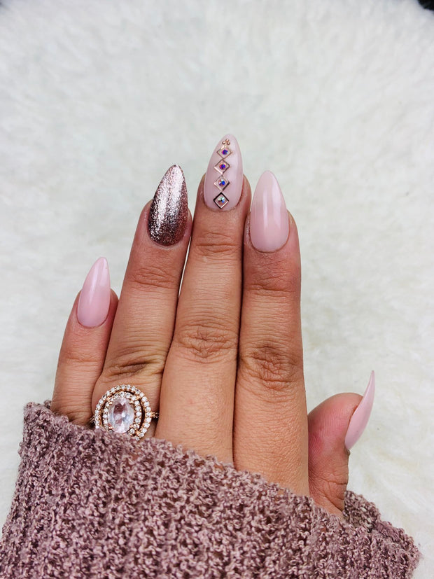 Pink Glam | Press On Nails | Pink Nails | Fake Nails | Bling | Coffin Nails | Stiletto Nails | Almond Nails | Short Nails | Long Nails |