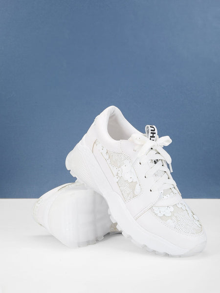 Contrast Lace Low Top Sneakers