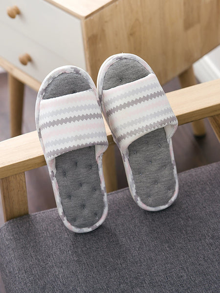 Geometric Pattern Flat Slippers