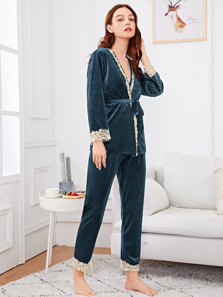 Contrast Lace Velvet Cami Pajama Set With Robe