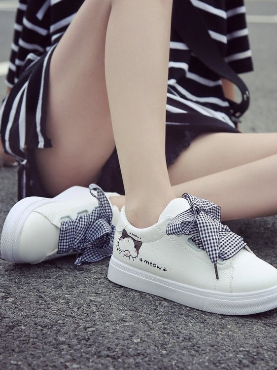Cat Print Gingham Lace Up Sneakers