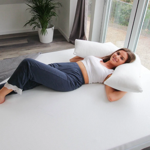Putnams V Pillow including White Harmoney Breathable, Waterproof and Stretch