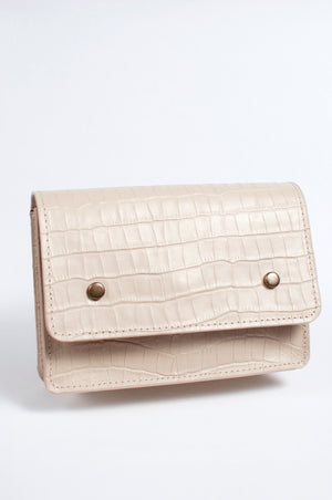 Load image into Gallery viewer, Mare Leather Convertible Belt Bag