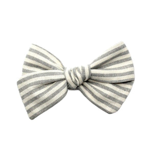 Pinwheel Bow | Grey Stripe