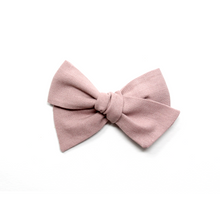 Load image into Gallery viewer, Mini Pinwheel Bow | Dusky Pink