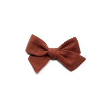 Load image into Gallery viewer, Mini Pinwheel Bow | Sandalwood