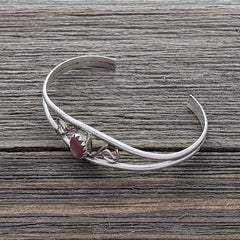 Judy Lincoln Sterling Silver Navajo Pink Mussel Baby Bracelet