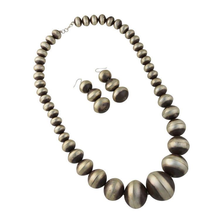 Monica Smith Sterling Silver Large Graduated Plain Navajo Pearl Necklace & Earrings